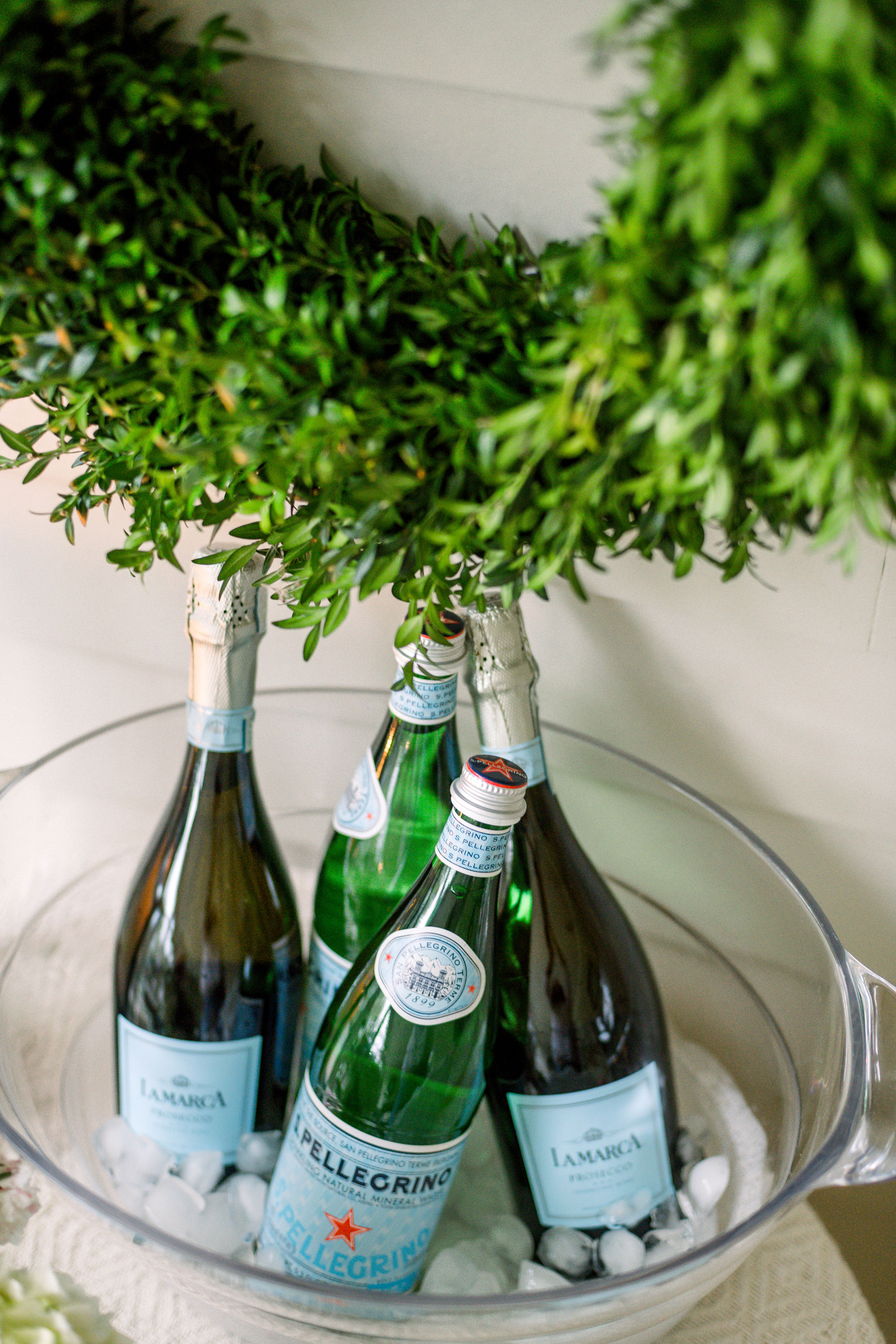 Gracious Garlands and The Cedar Lane Holiday Inspiration Shoot by Heather Durham Photography