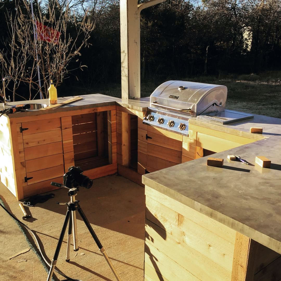 OUTDOOR KITCHEN  nears completions project by modern builds