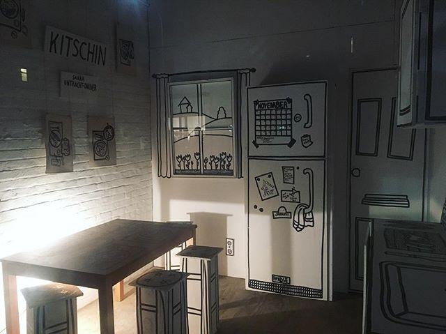 Kitschin' by @saarauo lookin' great at night @gallerypetite - on view until Dec 31!