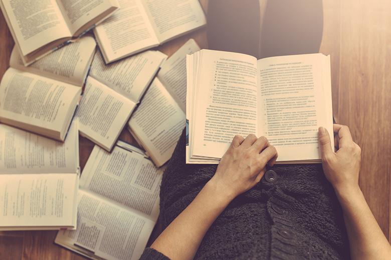 5.6.7.-trinn har hatt fokus på lesing; lydbøker, høgtlesing og stillelesing. Dei siste vekene har dei lese fleire tusen sider.