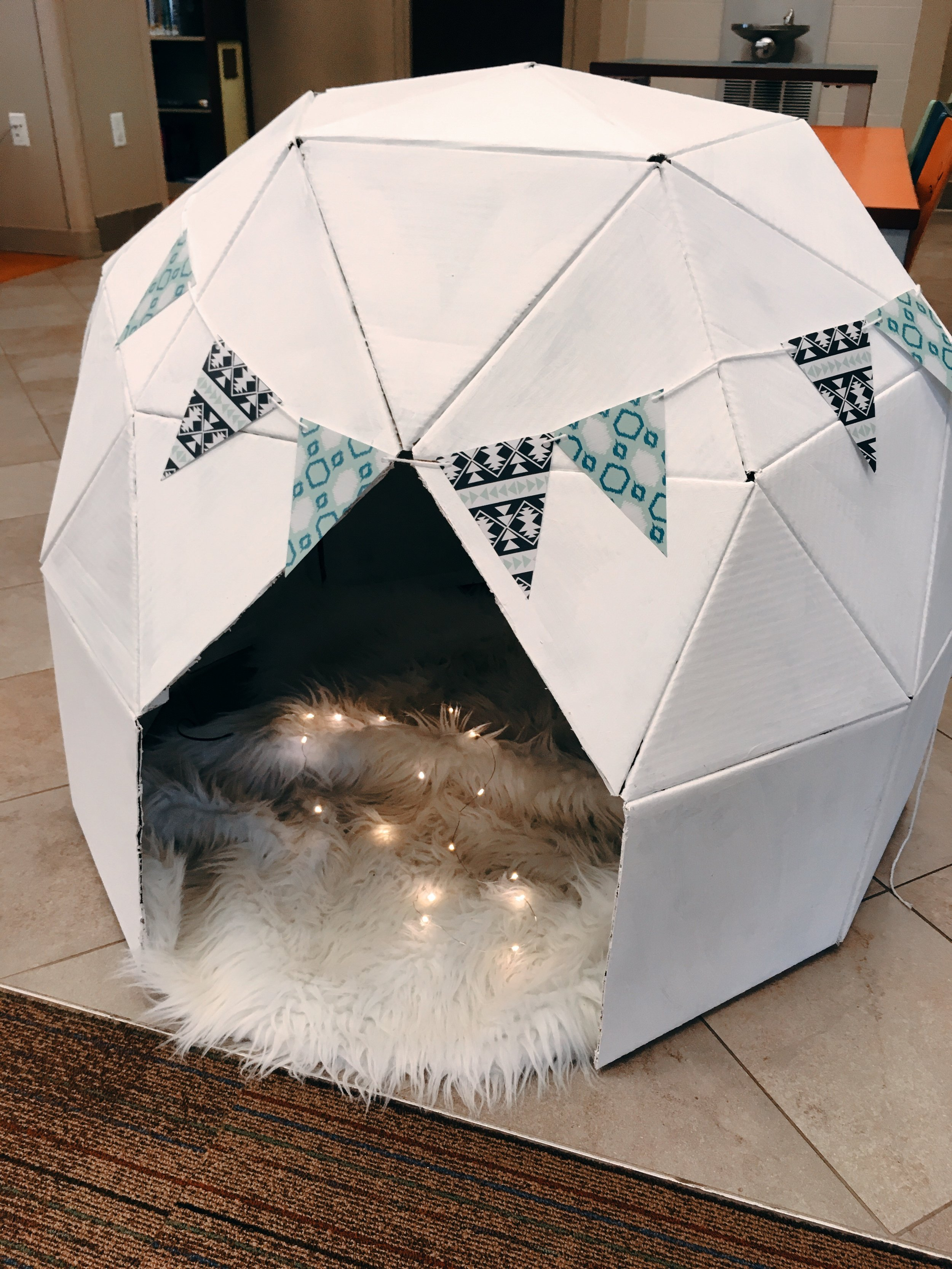 Igloo Playhouse! #diy #cardboardhouse #library #childrenslibrary #playhouse