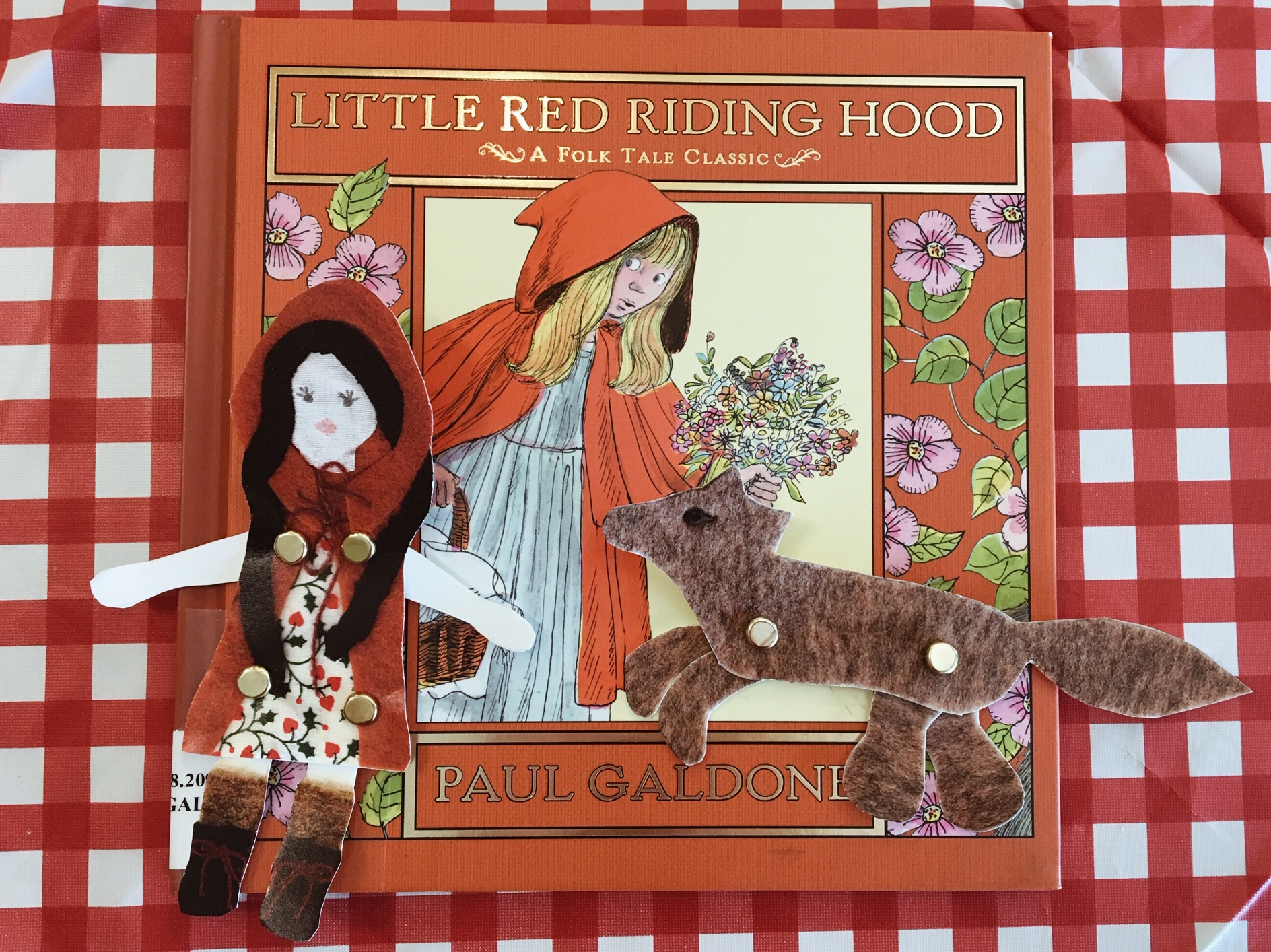 Little Red Riding Hood Story Time #littleredridinghood #storytime #fairytale #kidsparty #kidscraft #library #childrenslibrary
