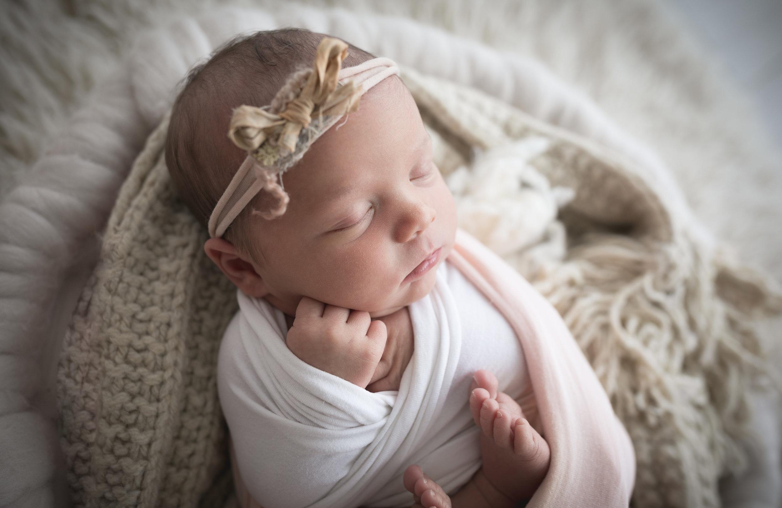 Baby-Photographer-in-Runcorn-Newborn-baby