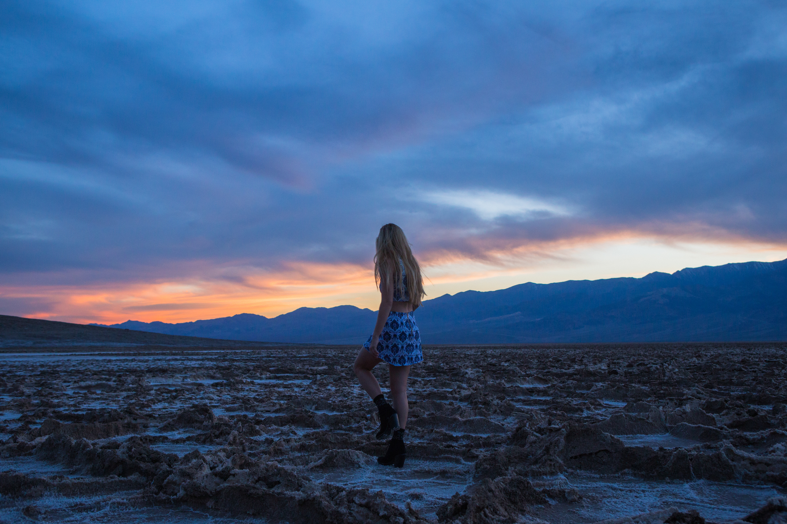 AstroBandit_JordanRose_BadwaterBasin_DeathValley_Sunset_MotelRocks_1.jpg
