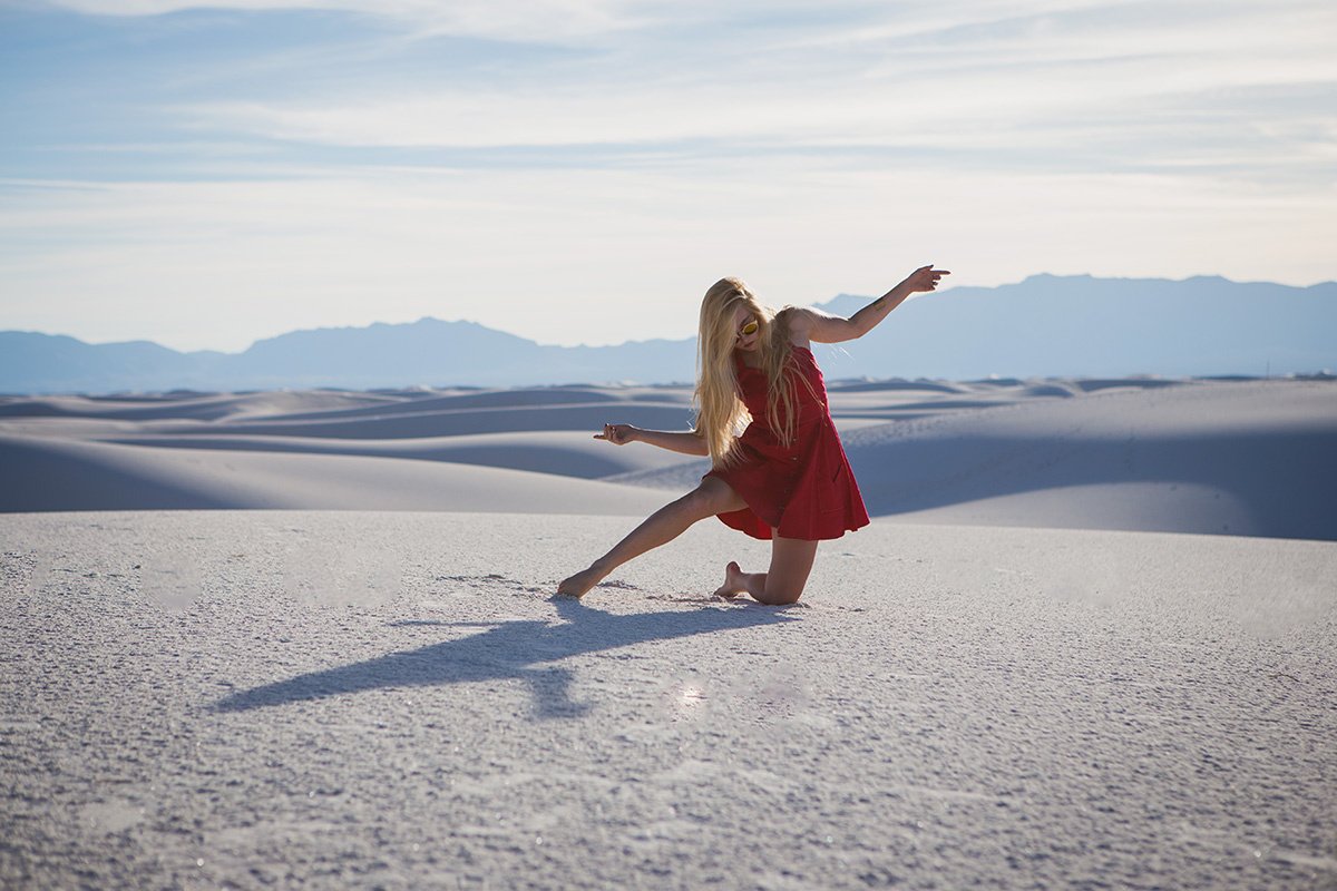 AstroBandit_JordanRose_WhiteSands_RedDress_Fashion_6.jpg