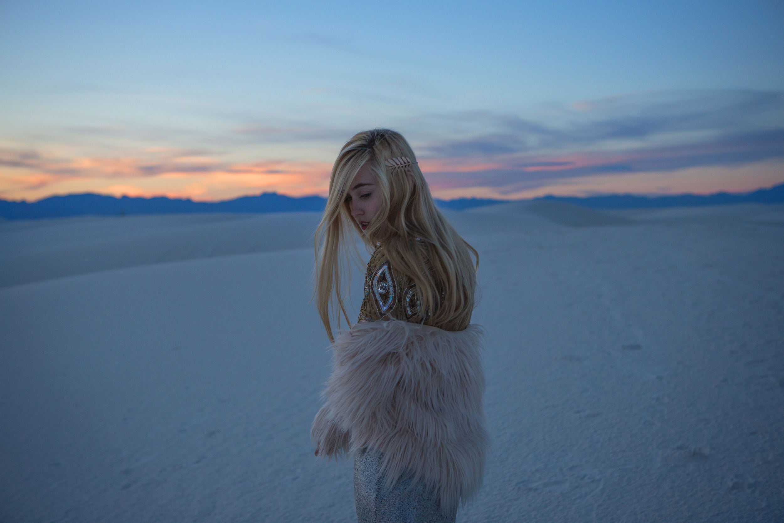AstroBandit_JordanRose_WhiteSands_Sunset_Sequins_Dancing_Dancer_Fashion_5.jpg