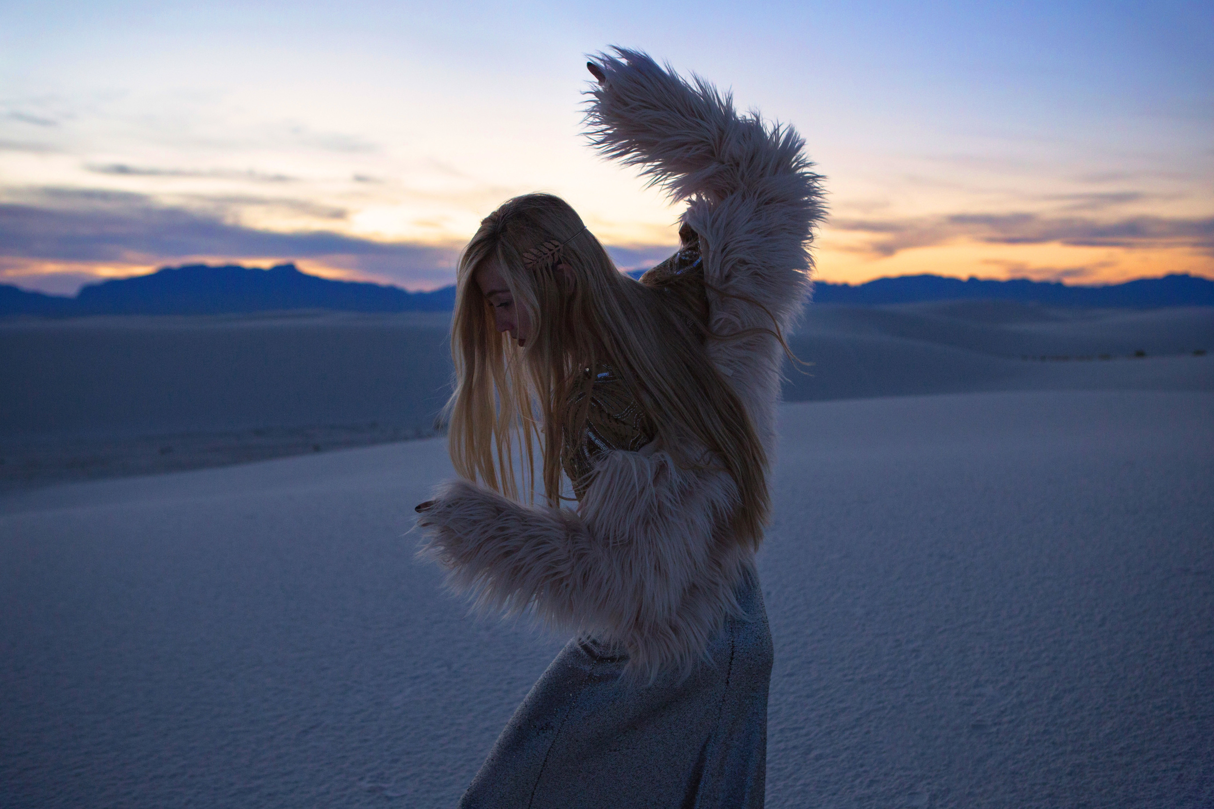 AstroBandit_JordanRose_WhiteSands_Sunset_Sequins_Dancing_Dancer_Fashion_9.jpg