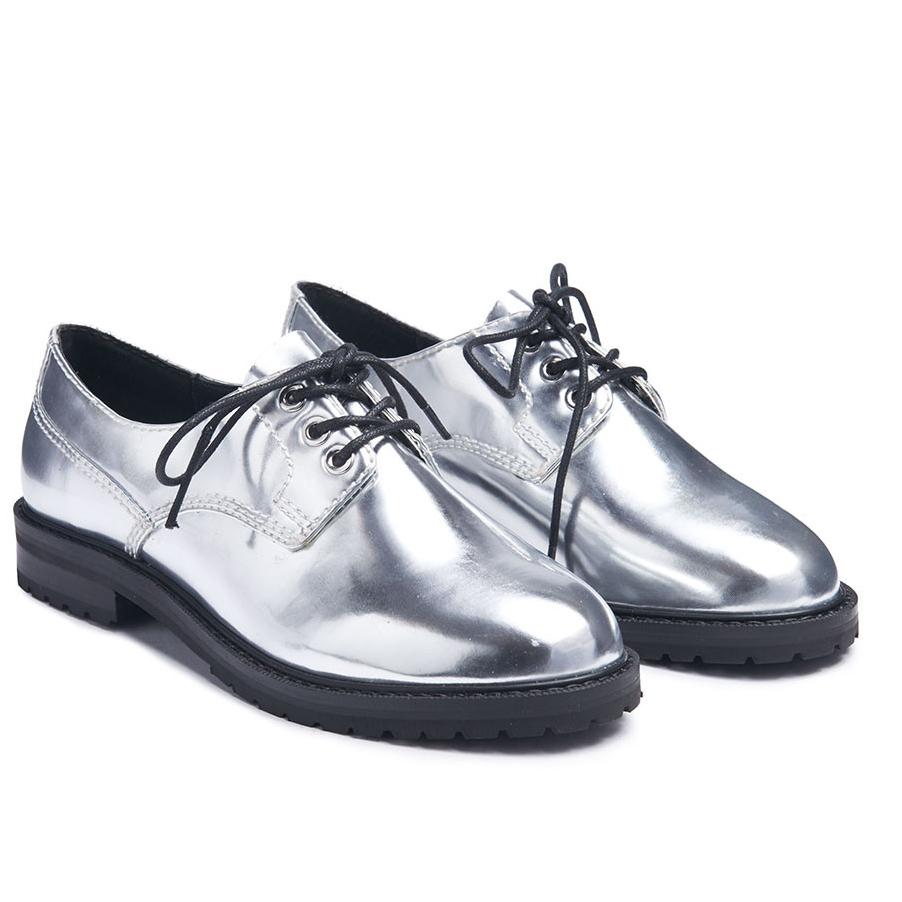 policewomanshoes.jpg