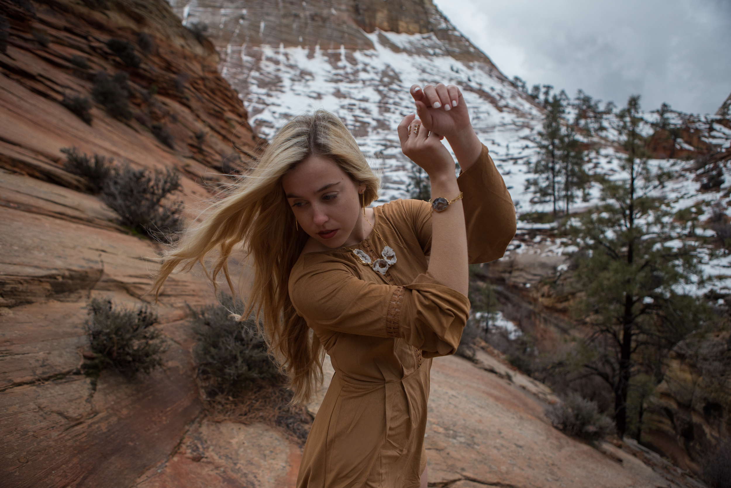 AstroBandit_JordanRose_Zion_WinterInZion_Snow_Fashion_NationalPark_1.jpg