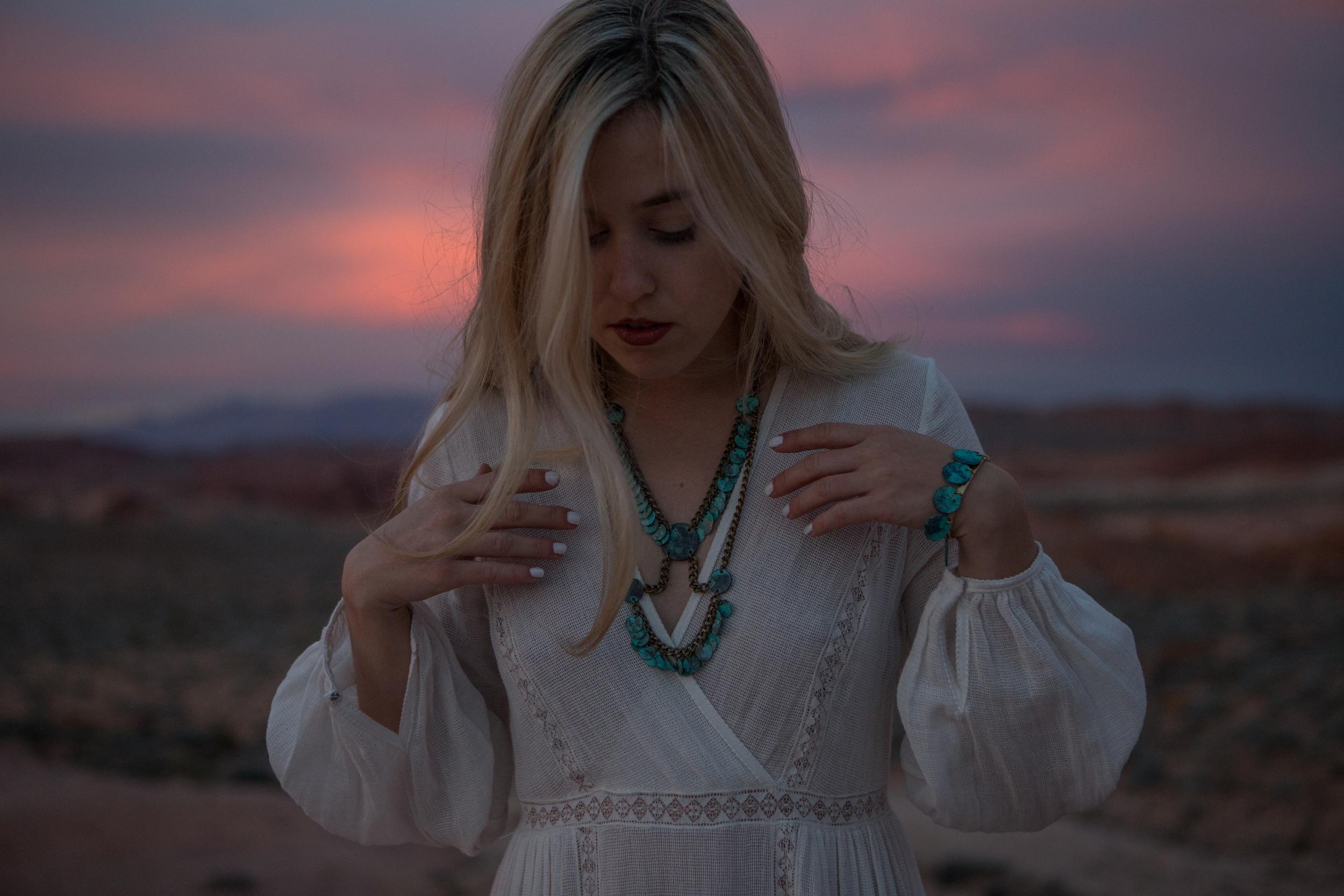 AstroBandit_ValleyOfFire_Sunset_WhiteDress_Dancing_Fashon_9.jpg