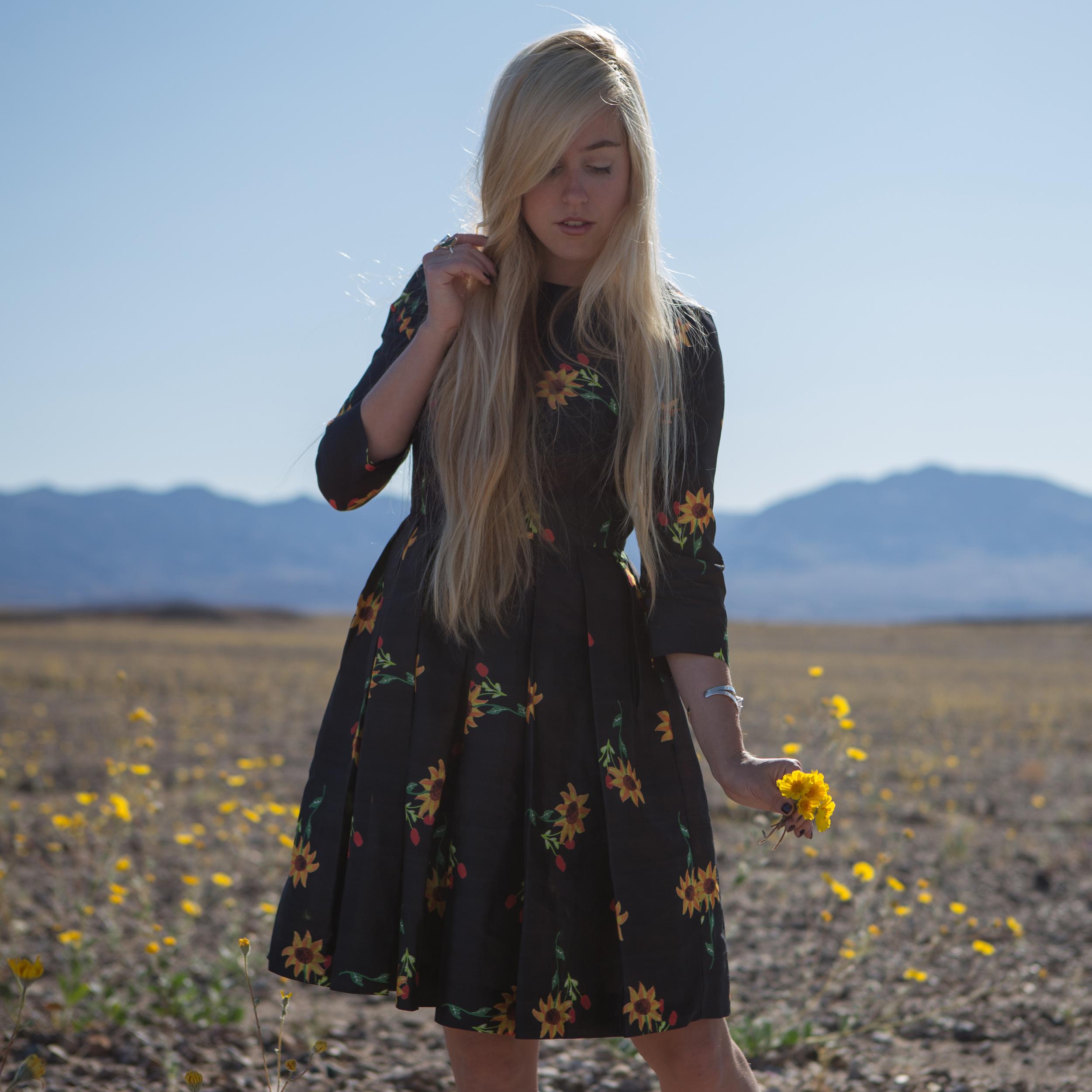 fewmodaflowerdress.jpg