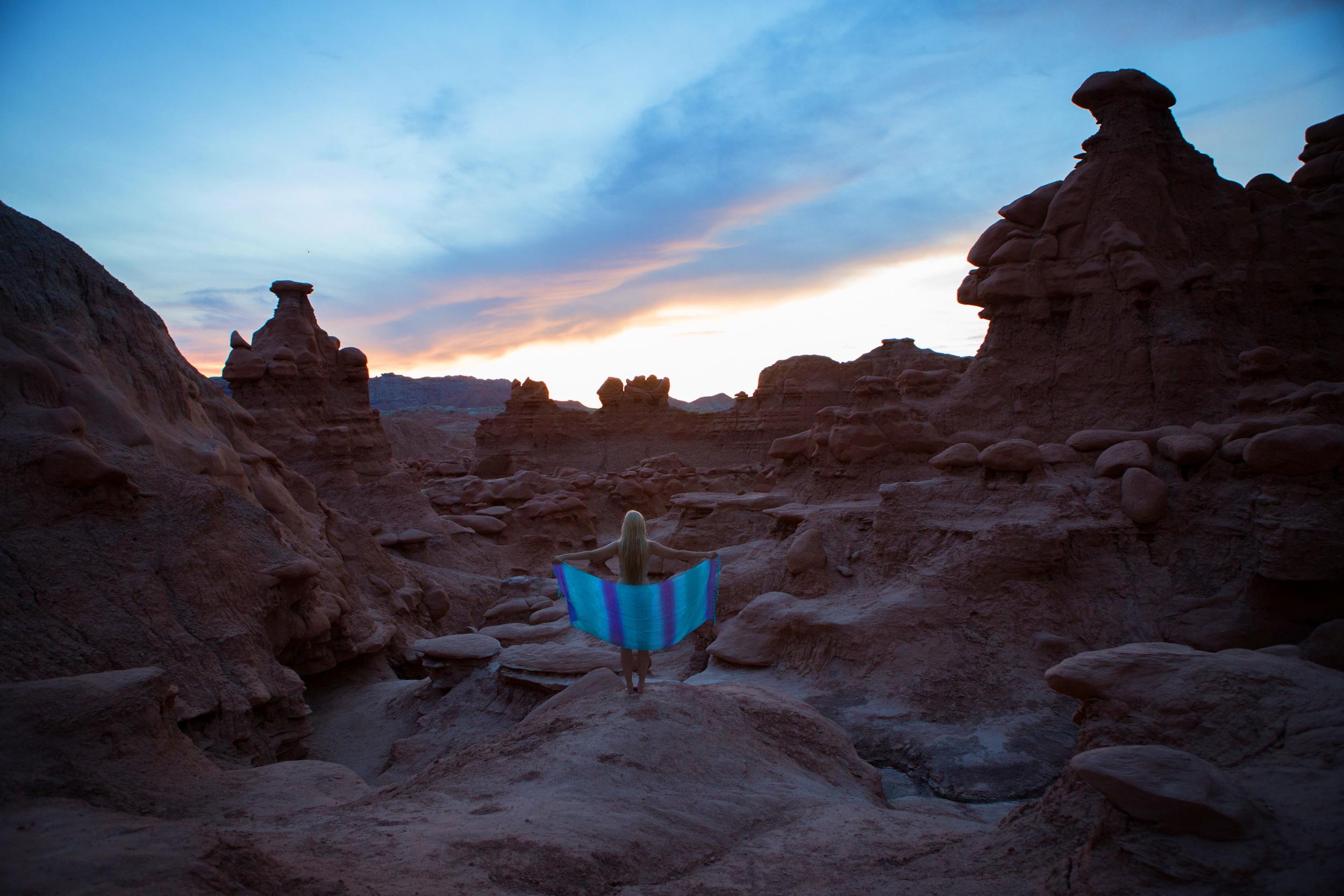 JordanRose_AstroBandit_GoblinValley_Sunset_11.jpg