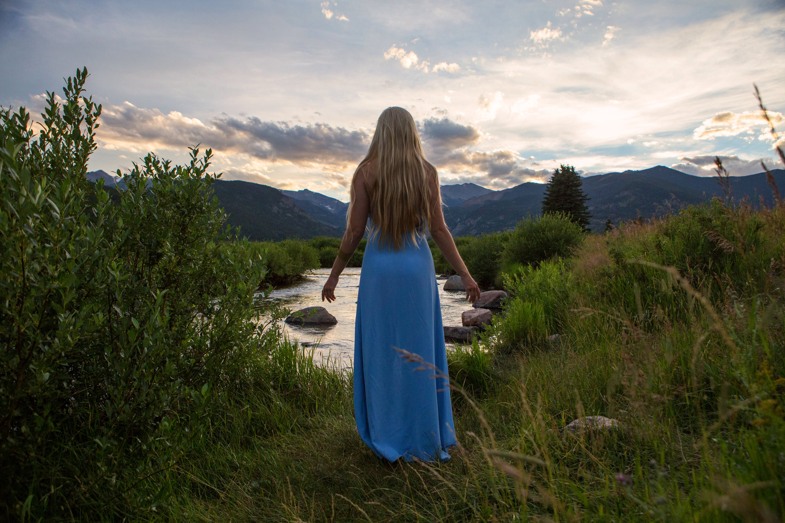 AstroBandit_Rocky_Mountain_National_Park_Sunset_BlueDress_7.jpg