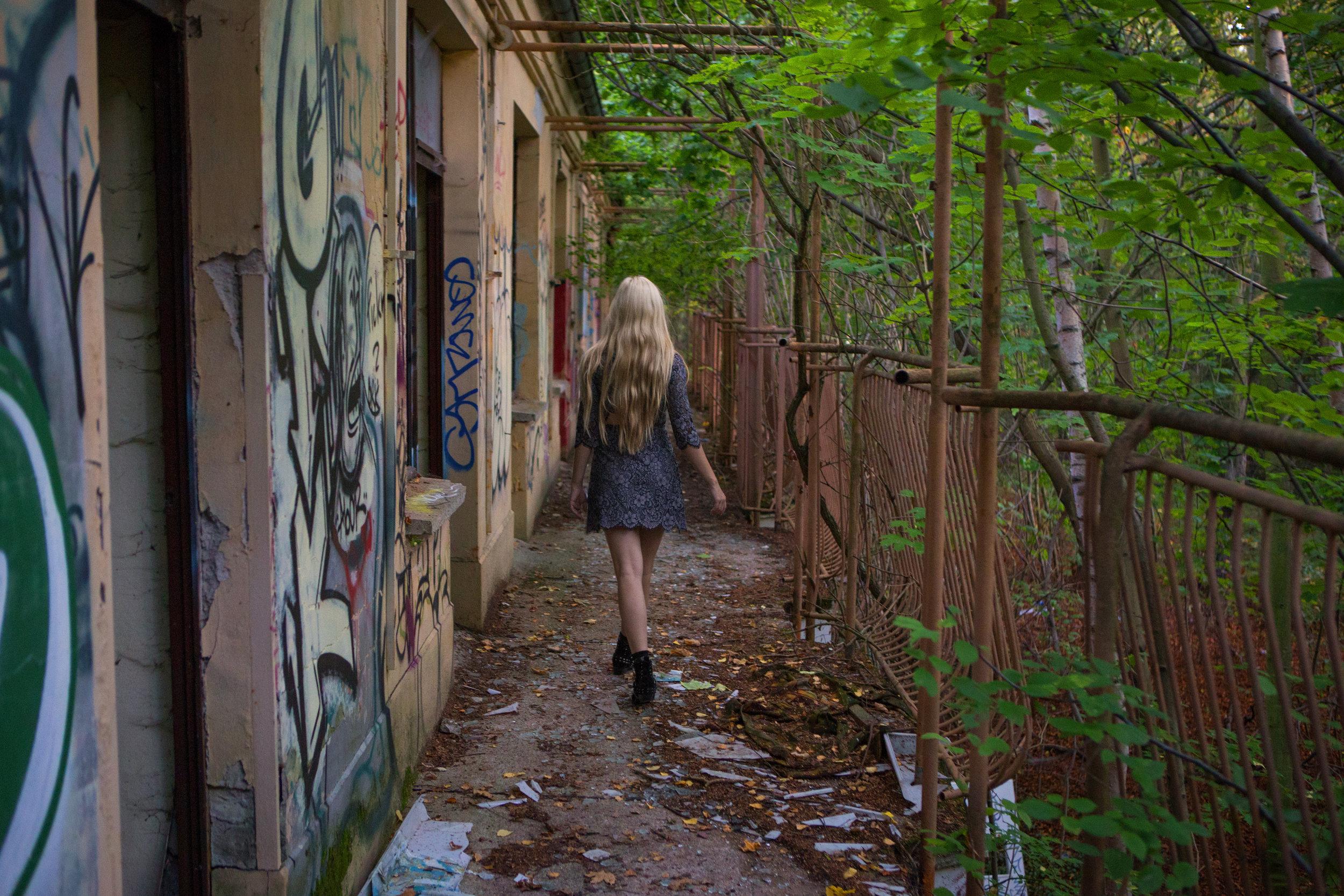 AstroBandit_Berlin_Abandoned_Childrens_Hospital_Zombie_Weissensee_ForLoveandLemons_7.jpg