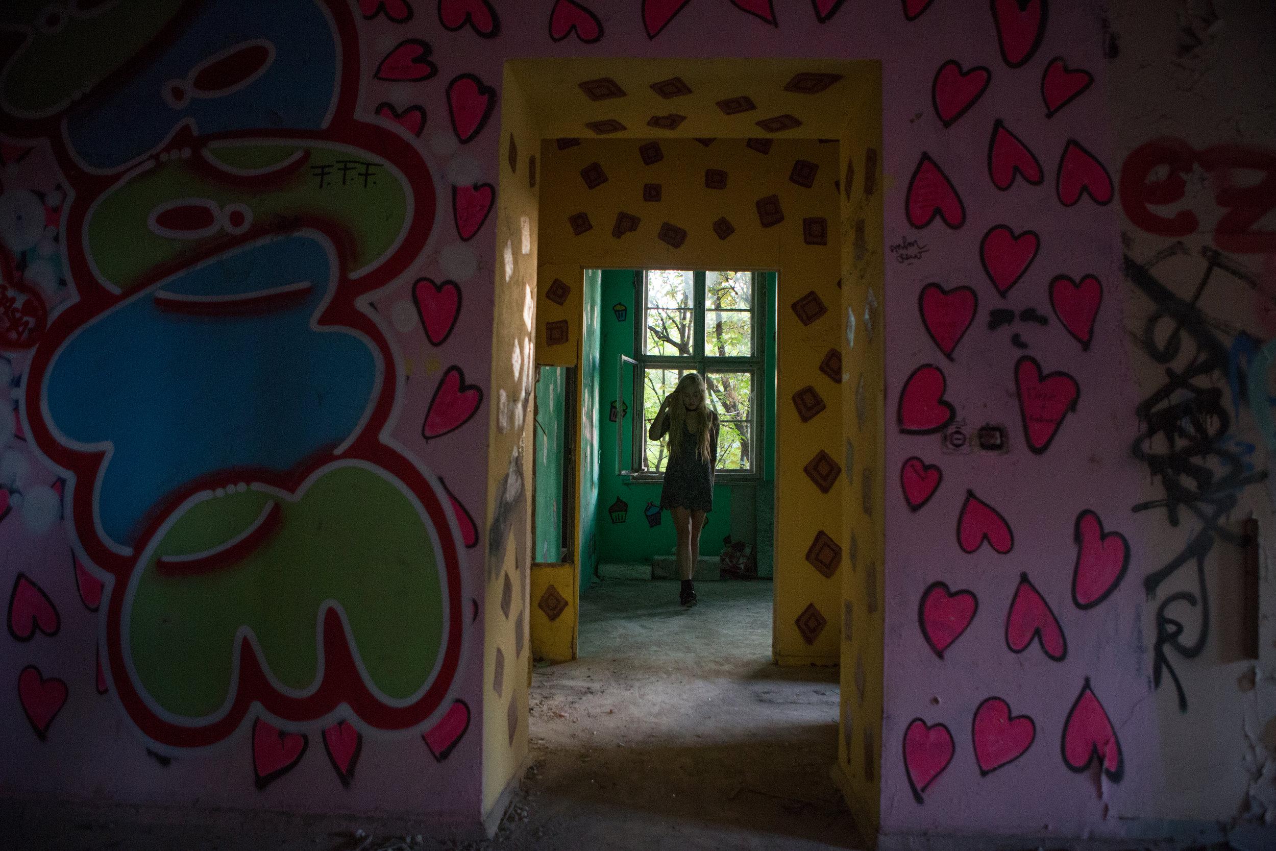 AstroBandit_Berlin_Abandoned_Childrens_Hospital_Zombie_Weissensee_ForLoveandLemons_11.jpg