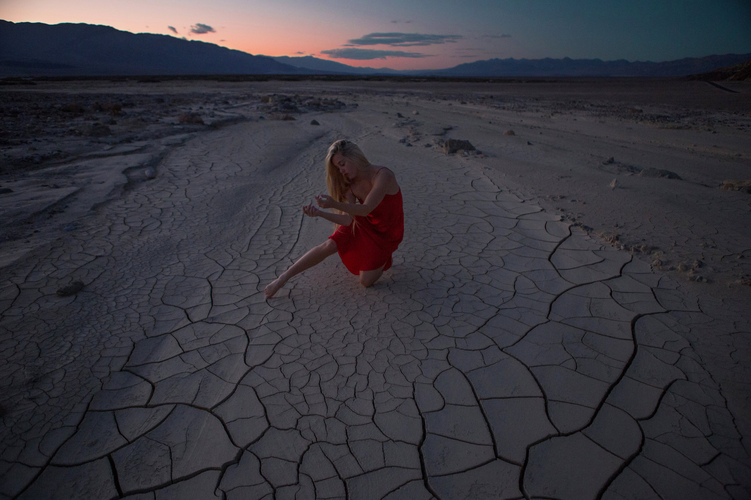 AstroBandit_JordanRose_DeathValley_MudCracks__RedSilk_Sunset_Dancing_6.jpg