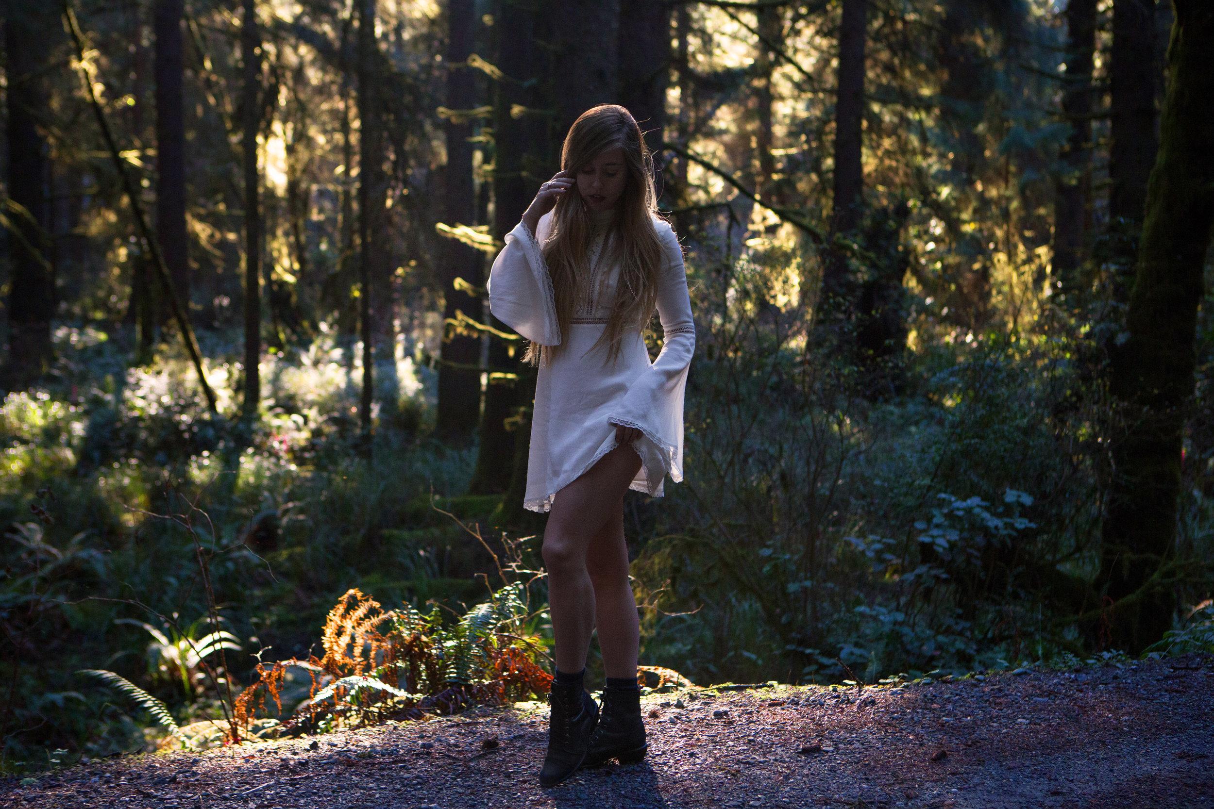 AstroBandit_ForLoveandLemons_Redwoods_PrairieCreek_WhiteDress_5.jpg