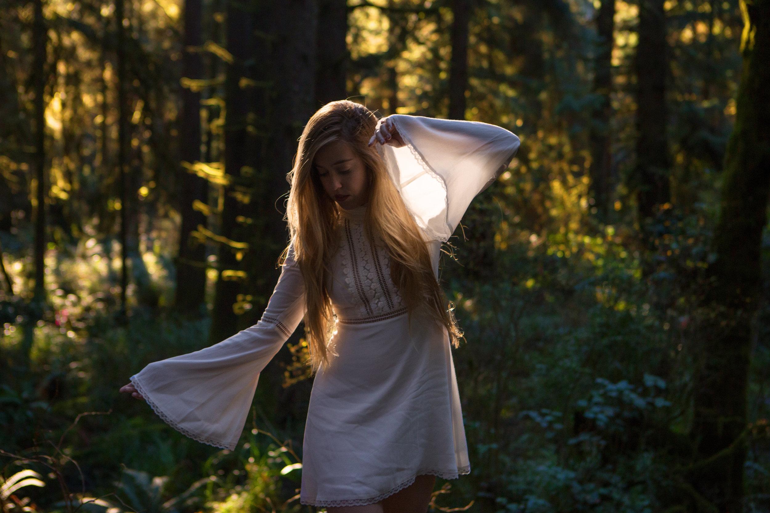 AstroBandit_ForLoveandLemons_Redwoods_PrairieCreek_WhiteDress_6.jpg