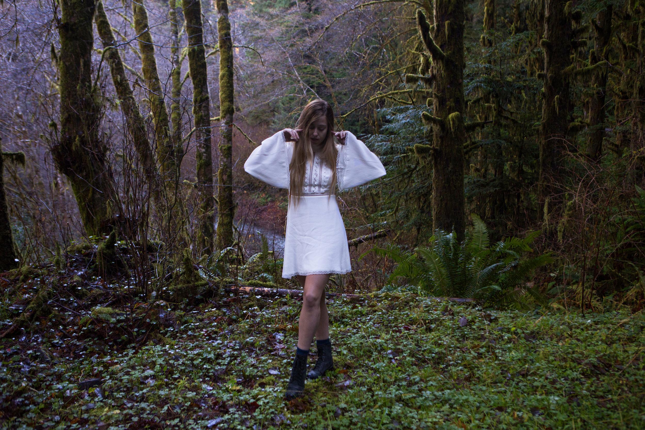 AstroBandit_ForLoveandLemons_Redwoods_PrairieCreek_WhiteDress_8.jpg