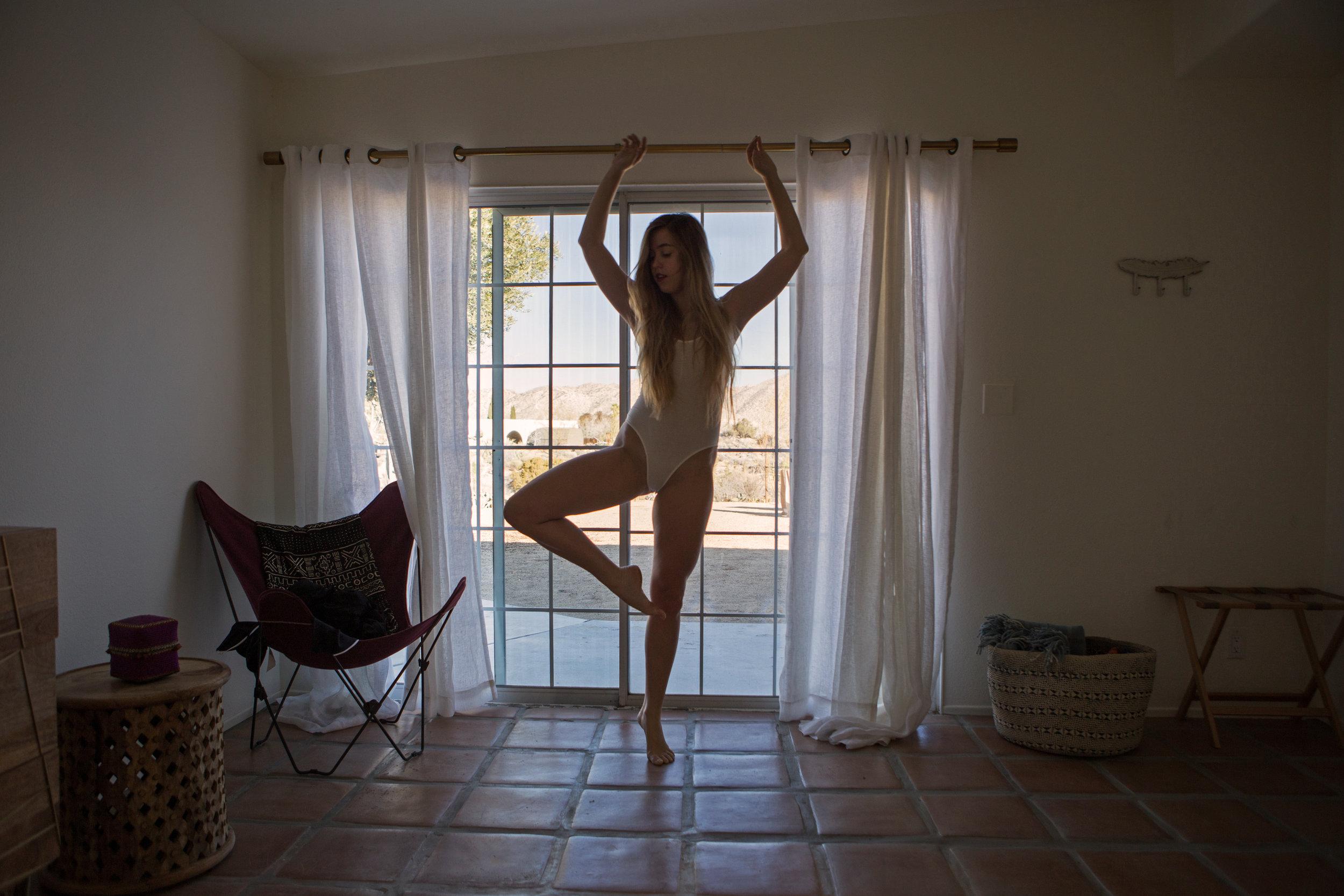 AstroBandit_JordanRose_CactusMoonRetreat_JoshuaTree_Dancing_4.jpg