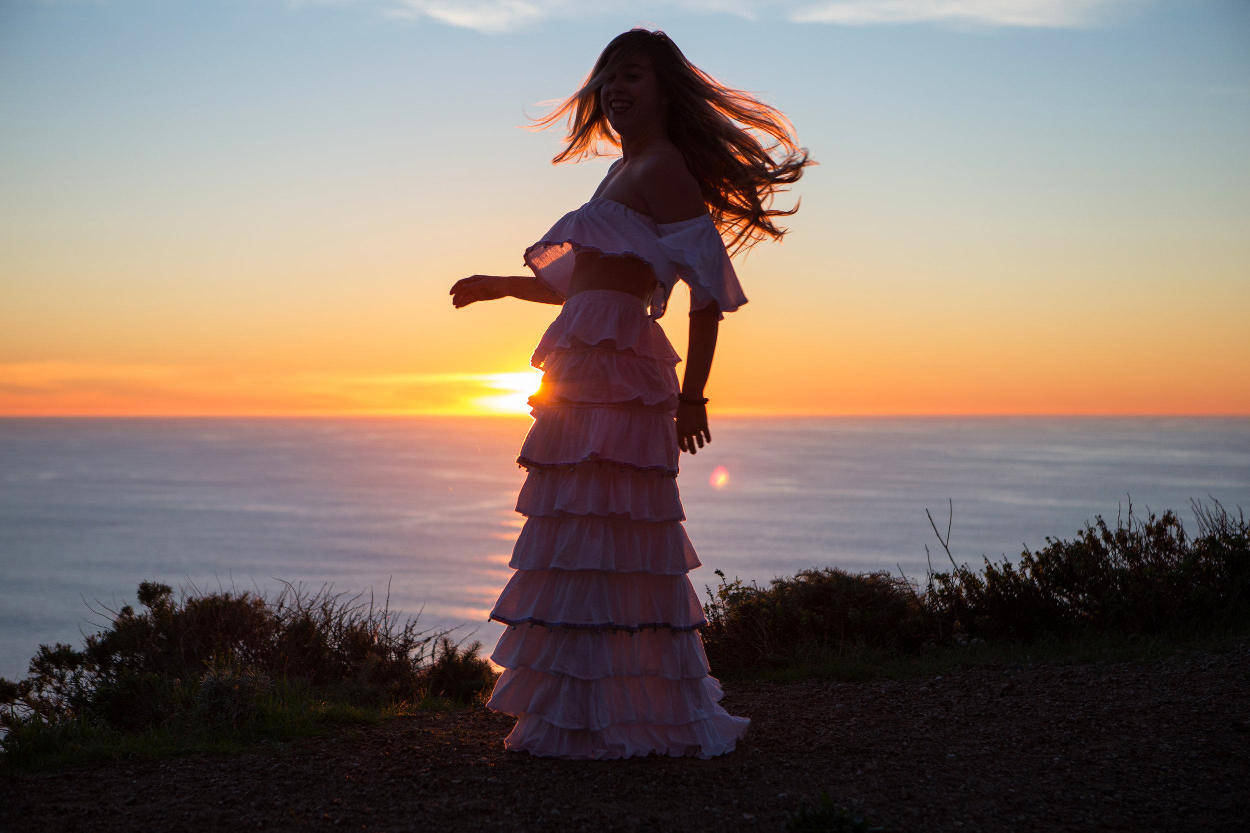 JordanRose_AstroBandit_Pitusa_BigSur_Sunset_WhiteRuffles_2.jpg