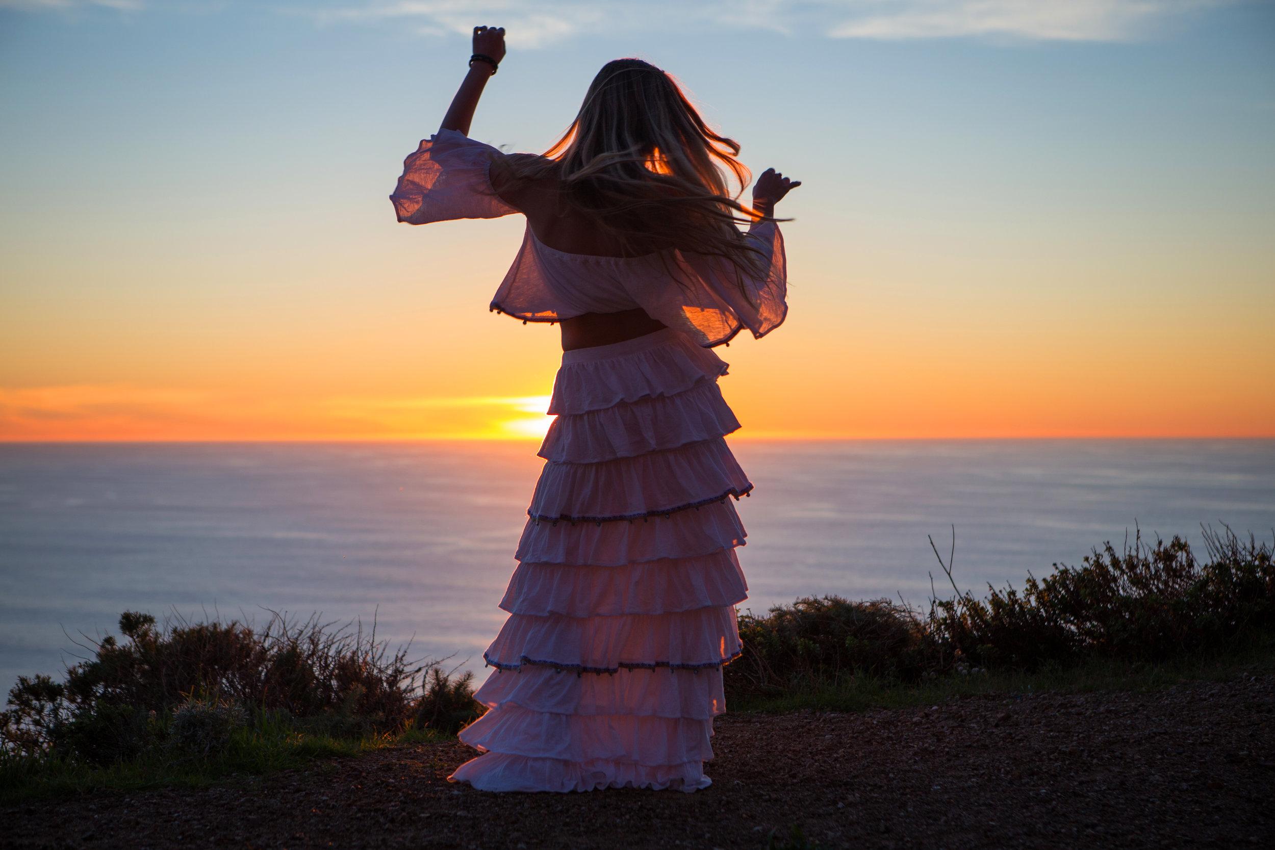 JordanRose_AstroBandit_Pitusa_BigSur_Sunset_WhiteRuffles_3.jpg