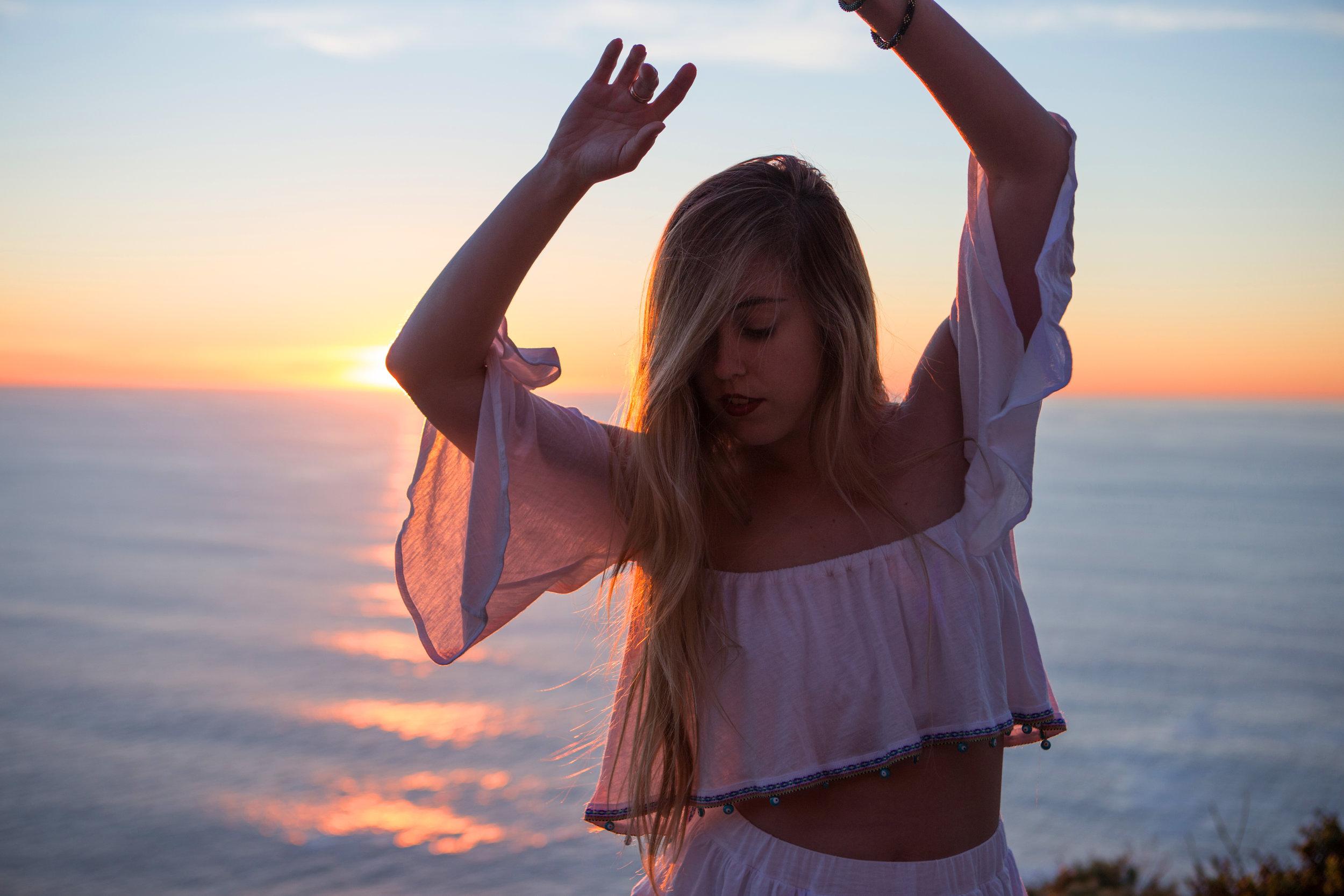 JordanRose_AstroBandit_Pitusa_BigSur_Sunset_WhiteRuffles_5.jpg