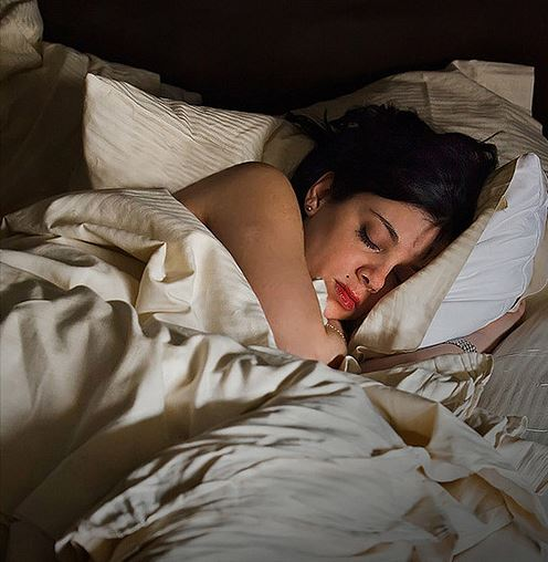 New research finds that one night of sleep deprivation and six months on a high-fat diet could both impair insulin sensitivity to a similar degree, demonstrating the importance of a good night's sleep on health. -  Image credit:  Fashteam