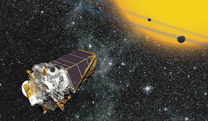 Artist's impression of Kepler as it looks at planets transiting distant stars - Image credit:.   NASA Ames/ W Stenzel/wikimedia