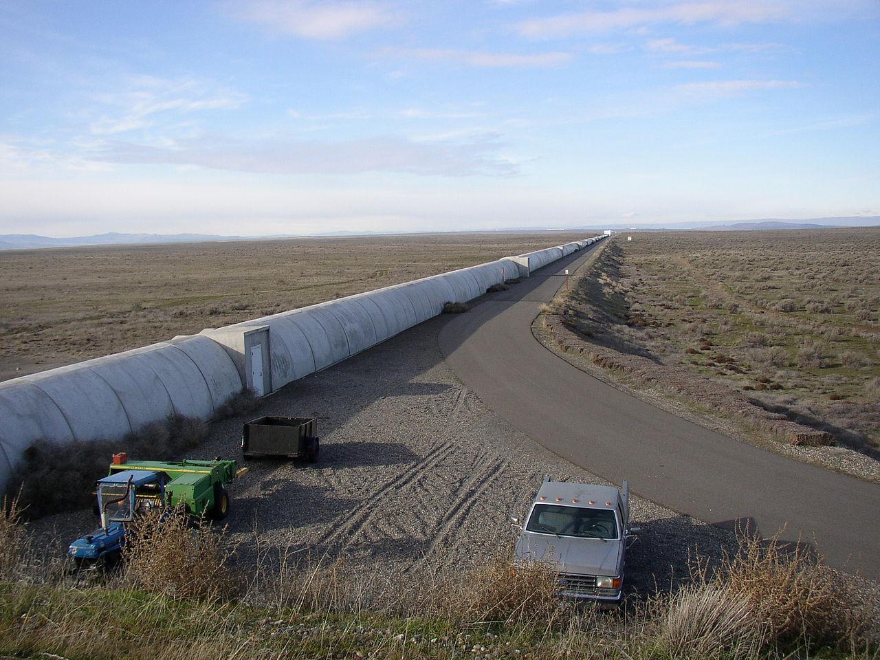 Northern leg (x-arm) of LIGO interferometer on Hanford Reservation - Image Credit:  Umptanum/WikimediaCommons