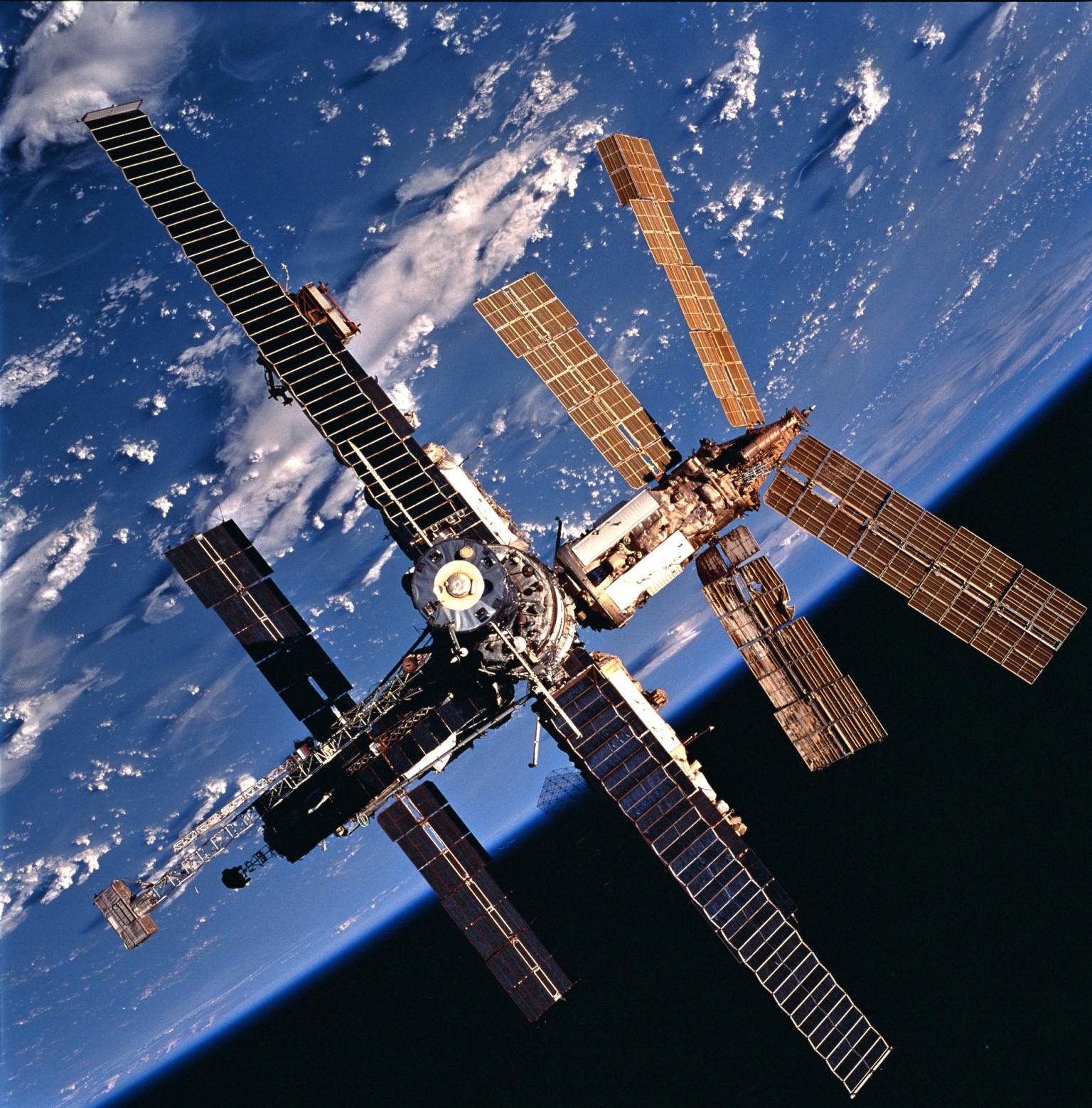 Soviet's Mir space station in 1986. - Image Credit: NASA/wikimedia