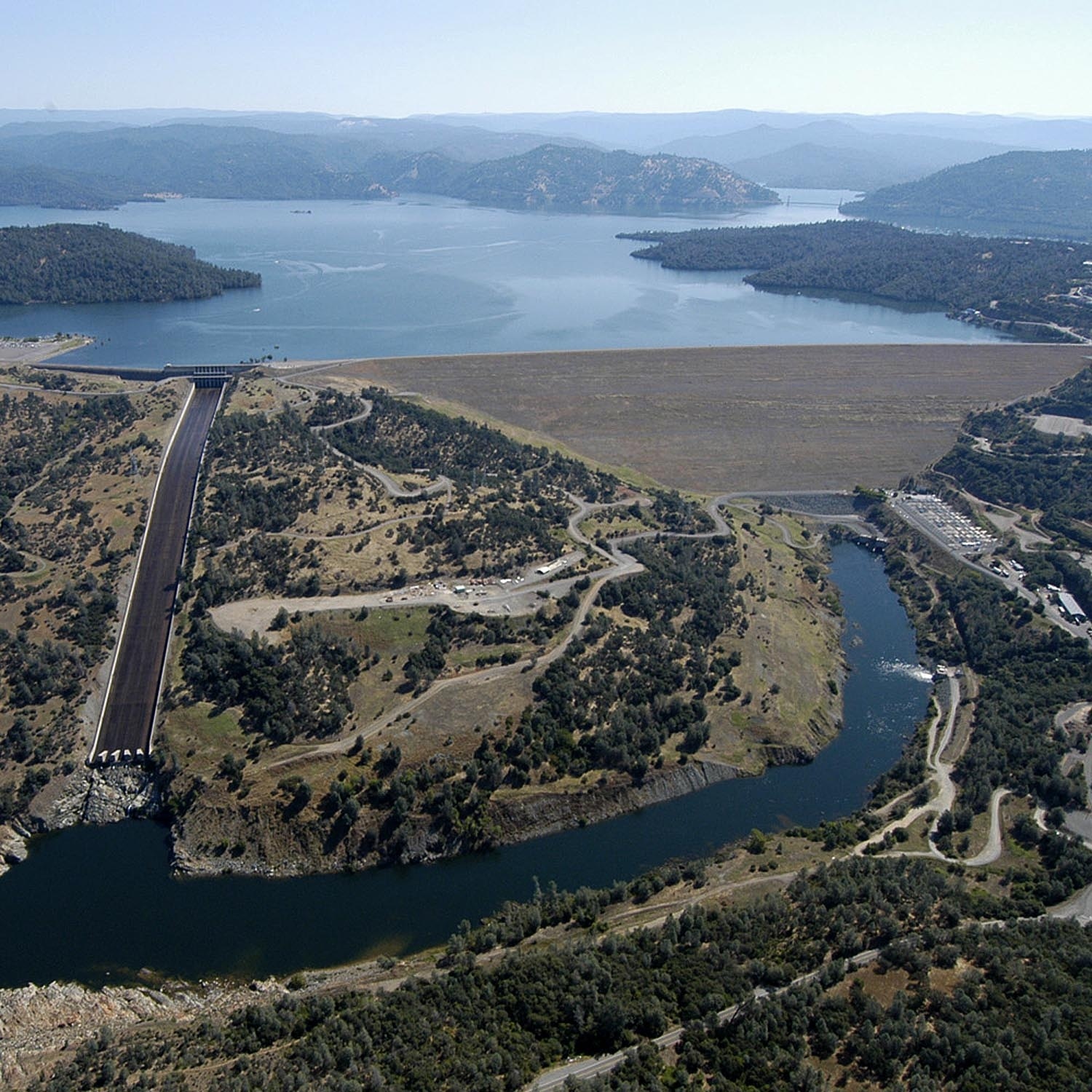Oroville Dam in California, where water levels had fallen 30% by 2014. -Image Credit: California Department of Water Resources/WikimediaCommons