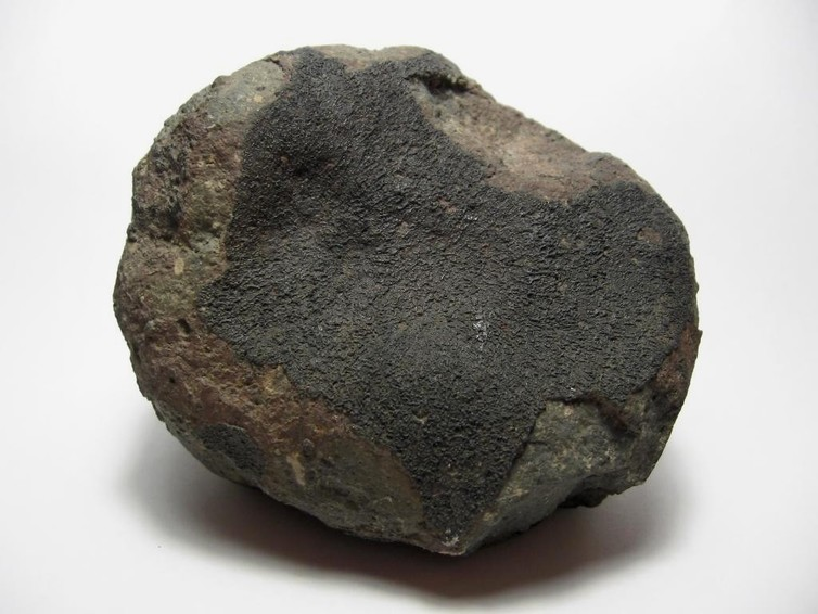 Carbonaceous chondrite meteorite that fell in Mexico in 1969 (weight 520g). - Image Credit: H. Raab/wikimedia,  CC BY-SA