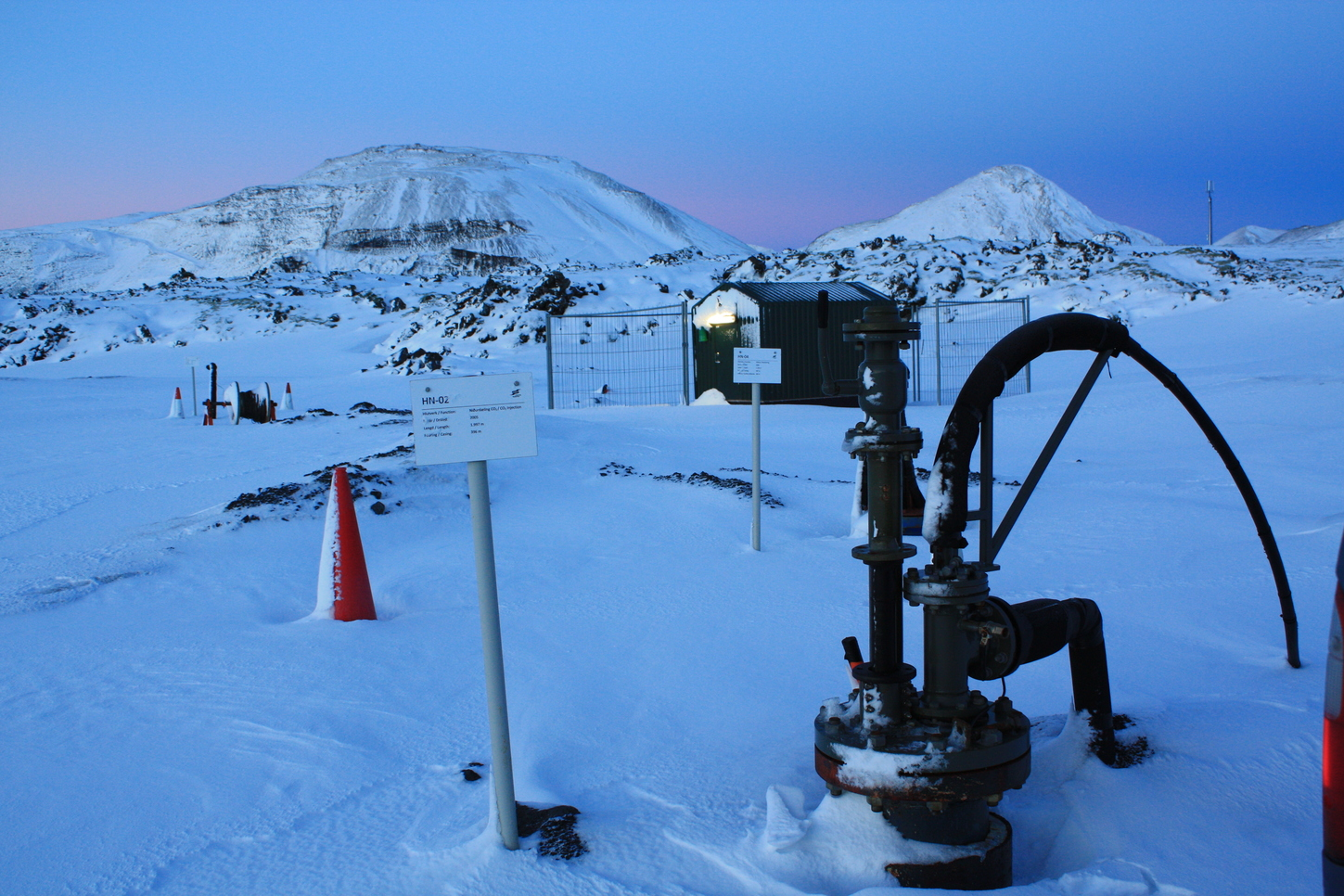 The injection well with monitoring station in the background. Dom Wolff-Boenisch, Author provided