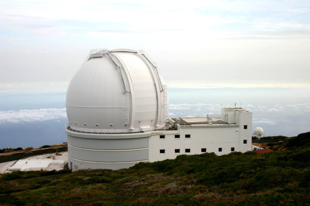 Dome of the William Herschel Telescope at the Roque de los Muchachos Observatory, La Palma. - Image Credit:  H. Raab/WikimediaCommons