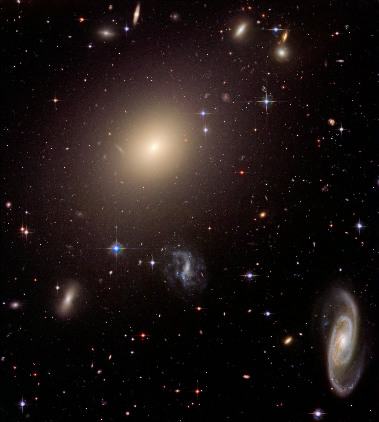When galaxies align - Image Credit:  NASA ,  ESA , and The  Hubble Heritage  Team ( STScI / AURA ) - (Click to enlarge)