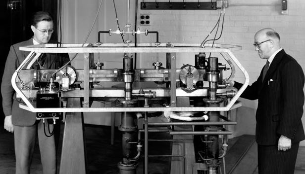 The world's first caesium atomic clock was built at the UK National Physical Laboratory in 1955. Since then, it has been used to define the length of a second. Image: By National Physical Laboratory - Image Credit:  National Physical Laboratory via Wikimedia Commons