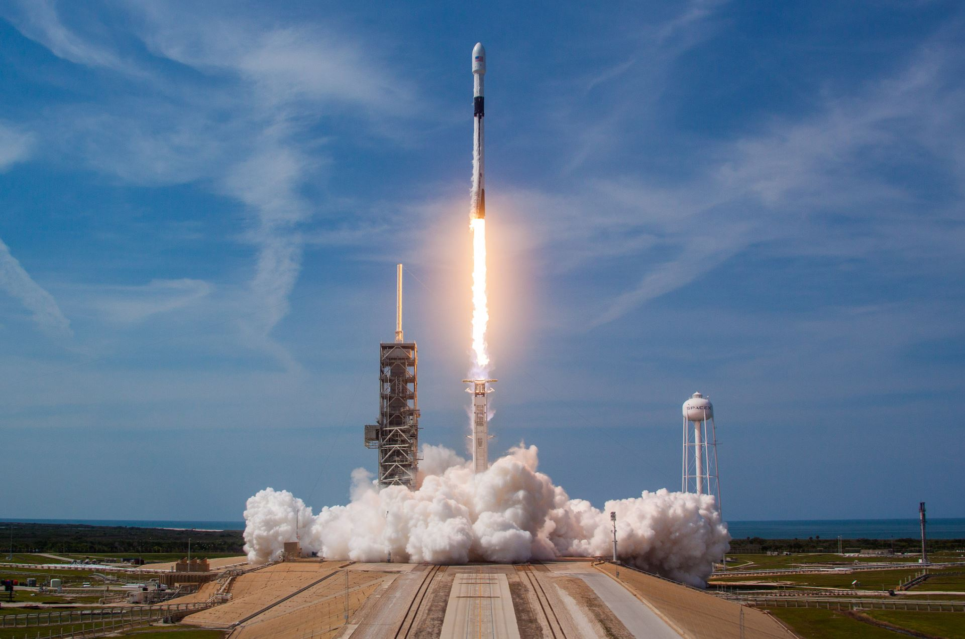 Falcon 9 launch - Image Credit:  SpaceX via flickr
