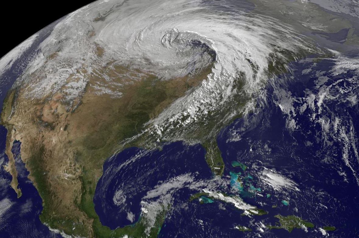 Satellite image of the 2010-10-26 low pressure area over the United States - Image Credit:  NOAA via Wikimedia Commons