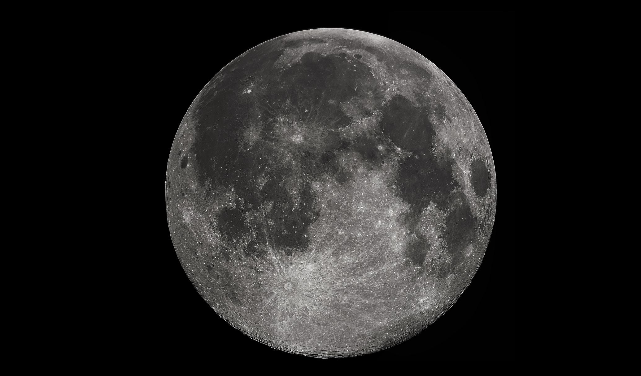 The moon could be mined for water - Image Credit:  Gregory H. Revera via Wikimedia Commons  / Edited by  Universal-Sci