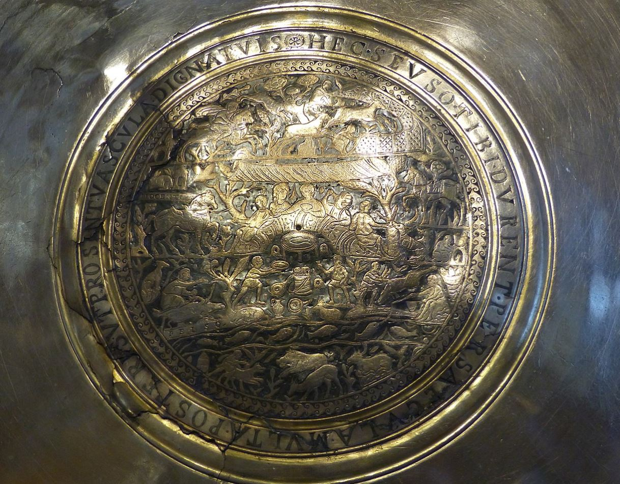 Silver plate from the 4th century - Image Credit:  Elekes Andor via Wikimedia Commons