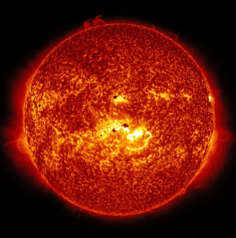 Our Sun is a Population II star about 5 billion years old. It contains elements heavier than hydrogen and helium, including oxygen, carbon, neon, and iron, though only in tiny percentags. - Image Credits: NASA/Solar Dynamics Observatory.