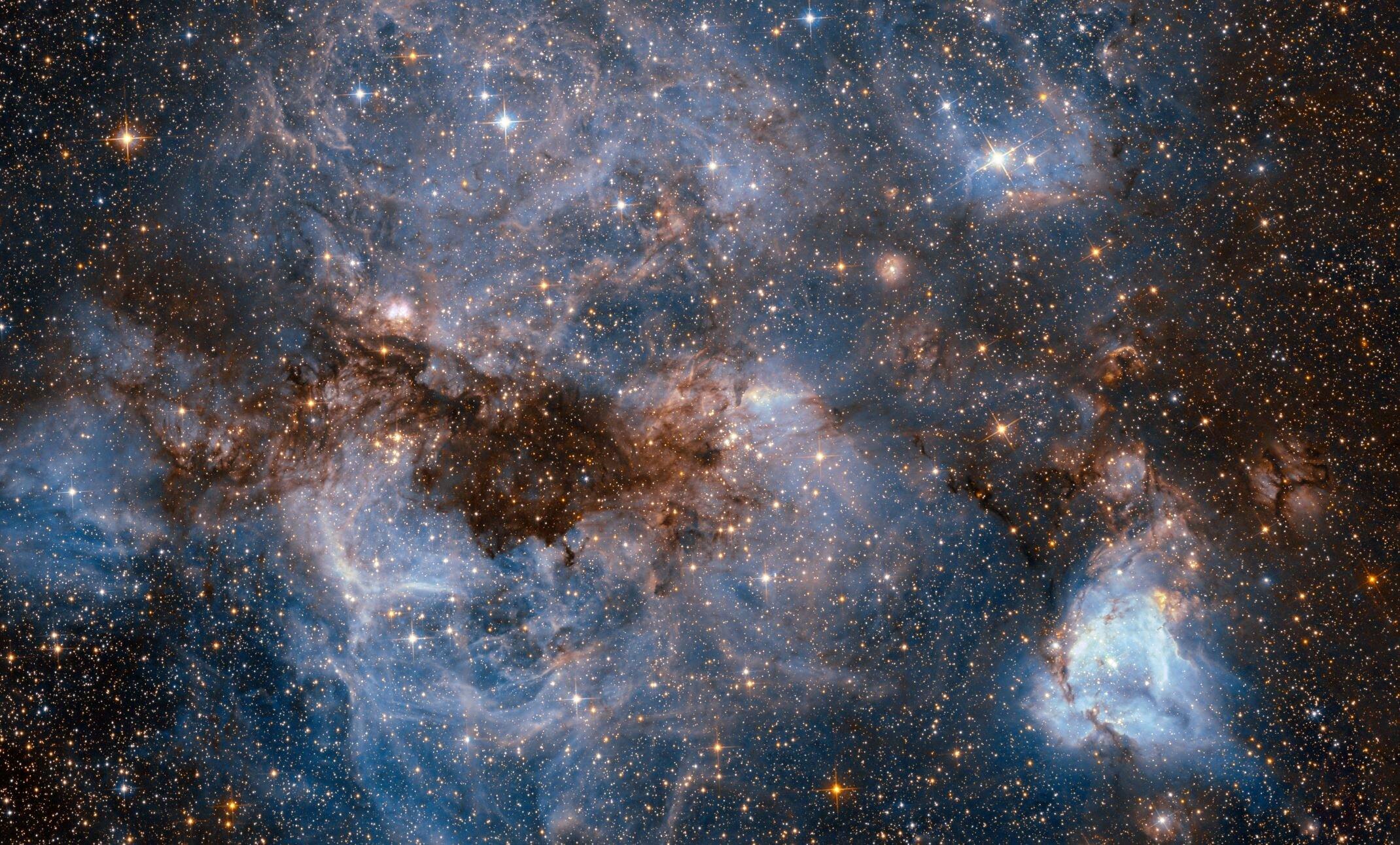 Image credits:  ESA/Hubble & NASA