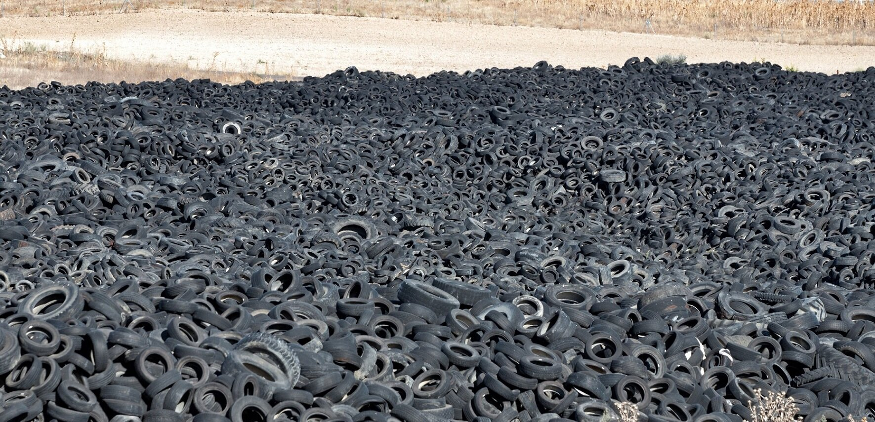 Scientists find a new use for dumped tires: let's turn them into graphene to reinforce concrete