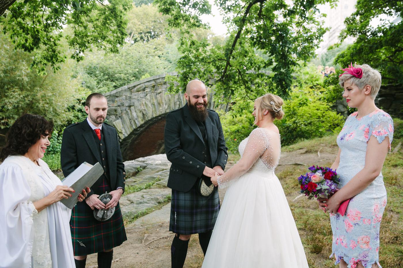 Central Park-Gapstow-bridge-wedding_H&K-19.jpg