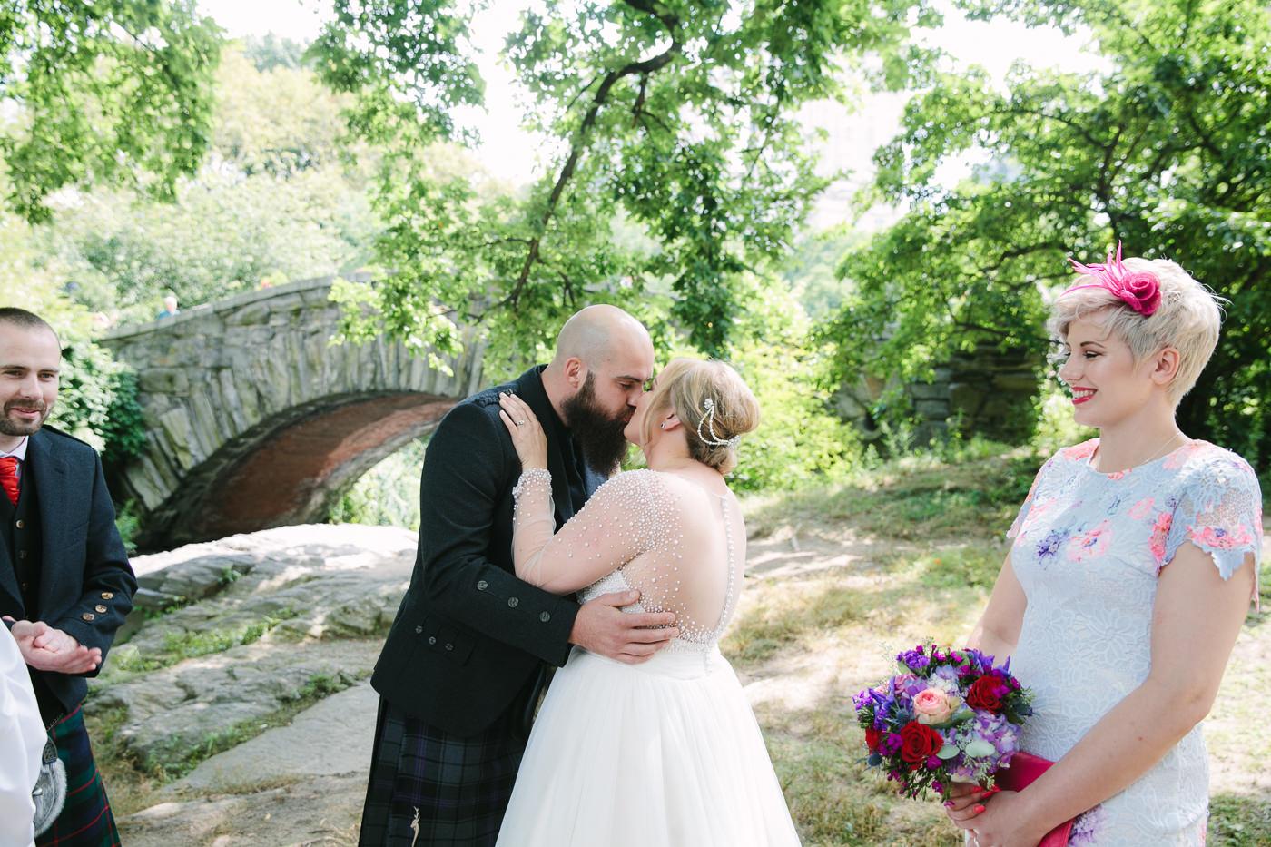Central Park-Gapstow-bridge-wedding_H&K-59.jpg
