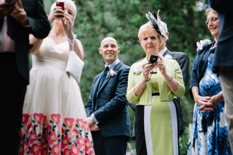 Shakespeare-garden-central-park-intimate-wedding-29.jpg