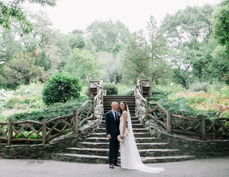 Shakespeare-garden-central-park-intimate-wedding-90.jpg
