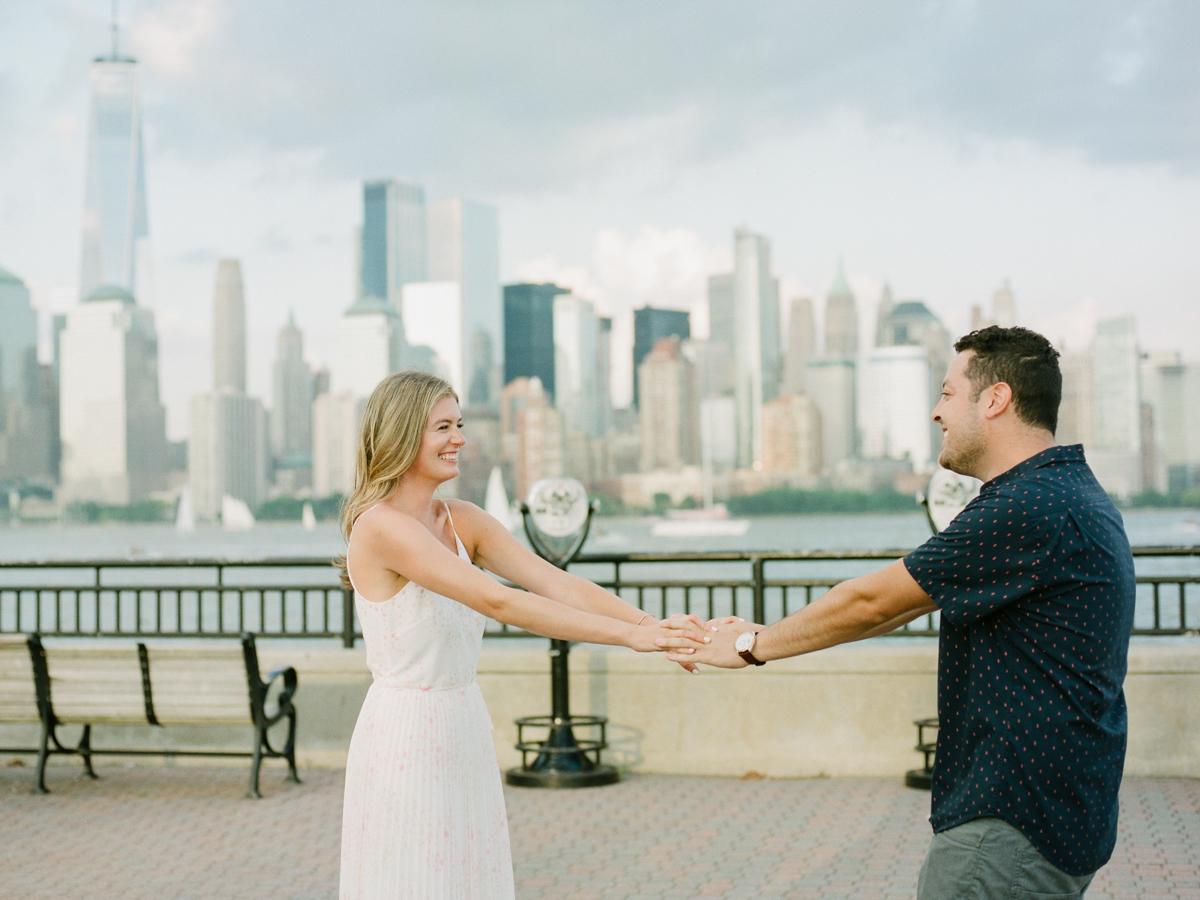 NYC-skyline-engagement-session-by-Tanya Isaeva-34.jpg