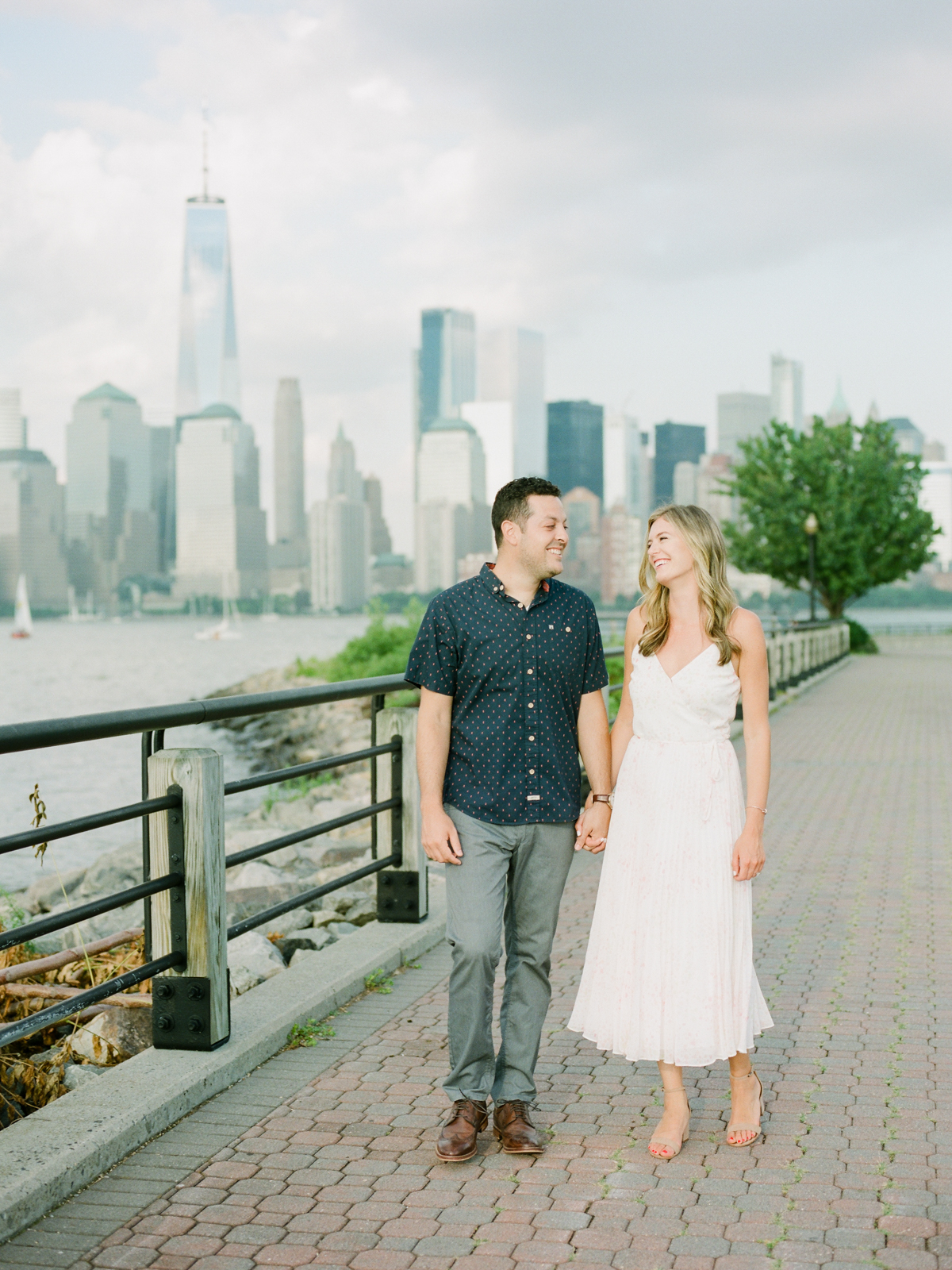 NYC-skyline-engagement-session-by-Tanya Isaeva-6.jpg